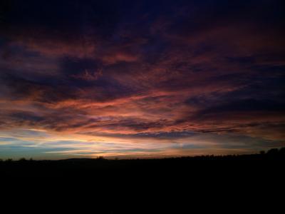 Dunkler Sonnenuntergang